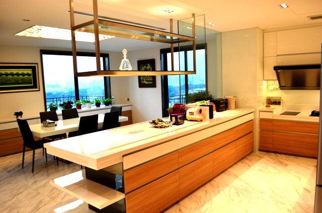 Pebbel Bay Pent House Modern Kitchen with Dinning table with Indoor Stadium and Kallang River View 3D Design