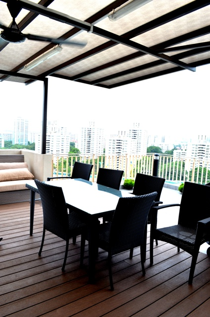 outdoor Penthouse Double Storey: Modern Balinese Roof Garden (Great for Chill out!)