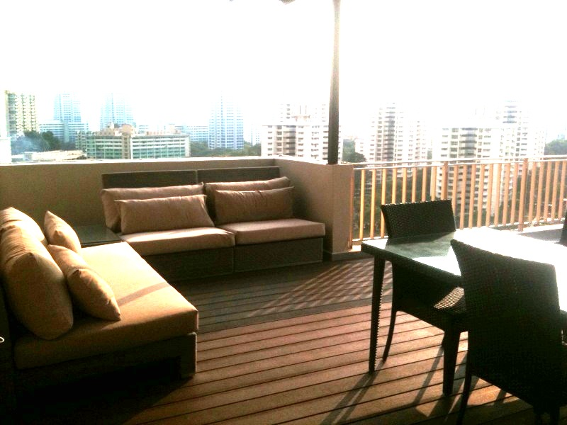 outdoor1 Penthouse Double Storey: Modern Balinese Roof Garden (Great for Chill out!)