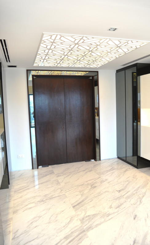 Main Door Entrence with Mirror Door Frame 5 Tanjong Rhu Penthouse Double Storey Modern Oriental Designer Style: Foyer