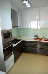 Seng Kang HDB Compassvale Beacon Kitchen oven and cabinets 195x300 Contemporary Oriental Design in HDB 4 Room Type in Sengkang Compassvale Beacon