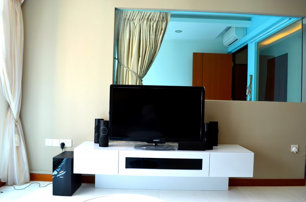 Seng Kang HDB Compassvale Beacon Living Room Hall TV console and common room wall replace by clear glass wall 1024x678 Contemporary Oriental Design in HDB 4 Room Type in Sengkang Compassvale Beacon